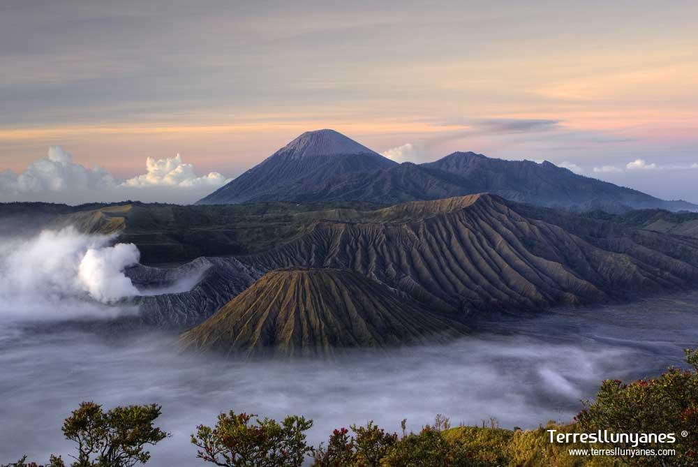 Viajes-indonesia-volcanes-01