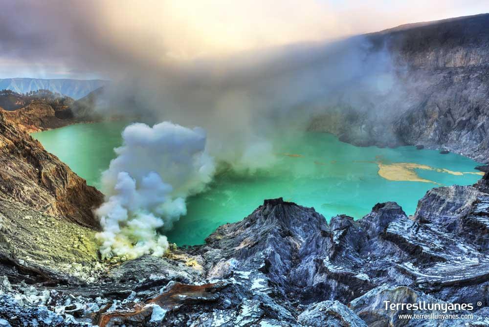 Viajes-indonesia-volcanes-02