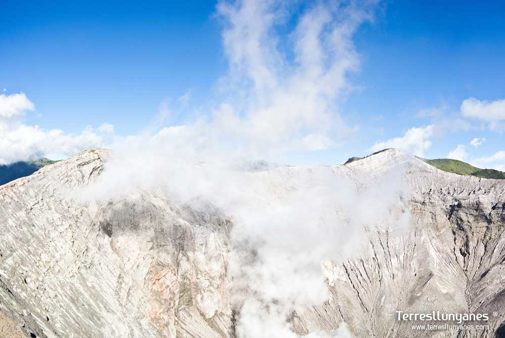 Viajes-indonesia-volcanes-04