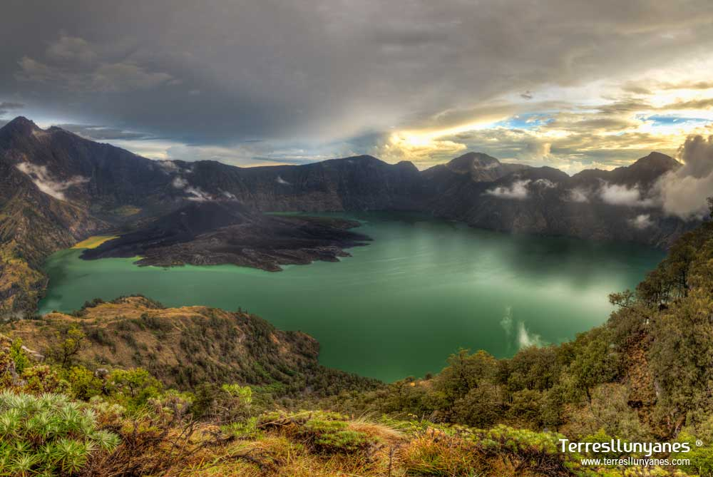 Viajes-indonesia-volcanes-07